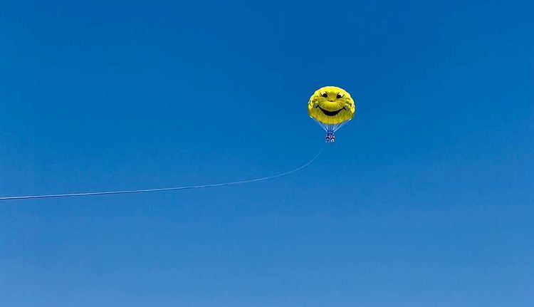 Is parasailing safe? Tips to flying free and safely